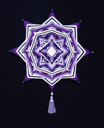 Mandala lilás em formato estrela (30 cm)