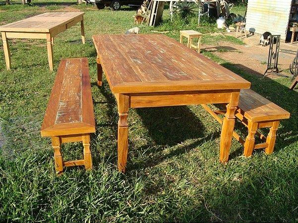 Conjunto de mesa e bancos em Peroba Rosa - Madeira maciça