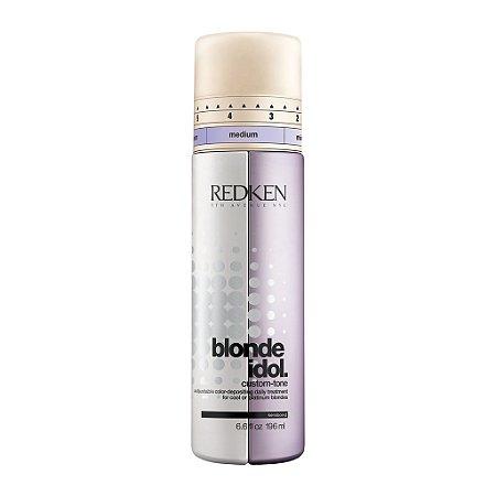 Redken Blonde Idol Custom-Tone Condicionador Violeta para Tons Frios 196ml