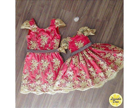 Vestido de Alta Costura Vermelho e Dourado - Mãe e Filha