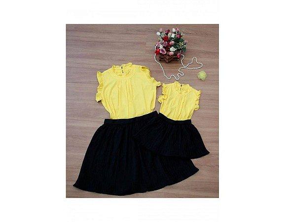 Conjunto Saia Plissada Preta e Blusinha Amarela - Mãe e Filha