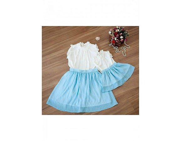 Conjunto Saia Plissada Azul e Blusinha Branca - Mãe e Filha