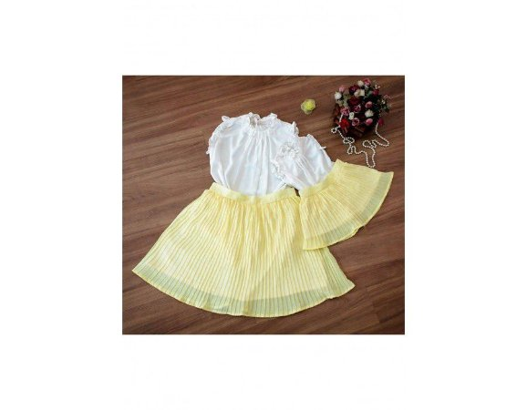 Conjunto Saia Plissada Amarela e Blusinha Branca - Mãe e Filha
