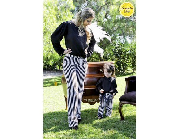 Conjunto Calça Listrada e Blusa Preta - Tal Mãe Tal Filha