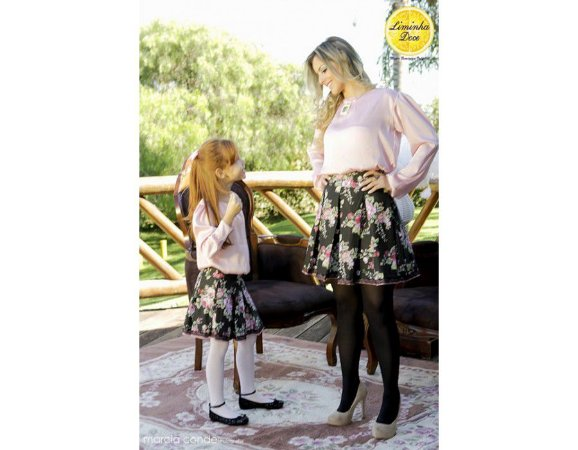 Conjunto de Saia Floral e Blusa - Tal Mãe Tal Filha
