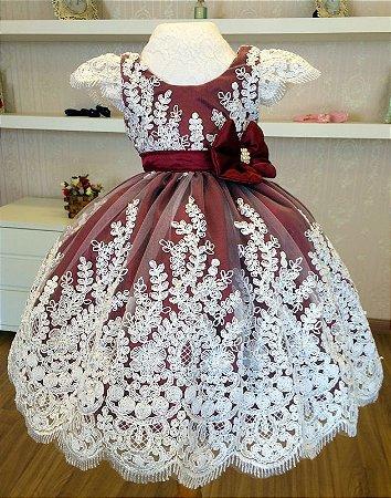 Vestido de Princesa na Cor Marsala