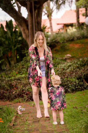 Kimono Preto Floral Mãe e Filha