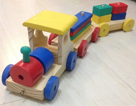 Trenzinho com blocos coloridos
