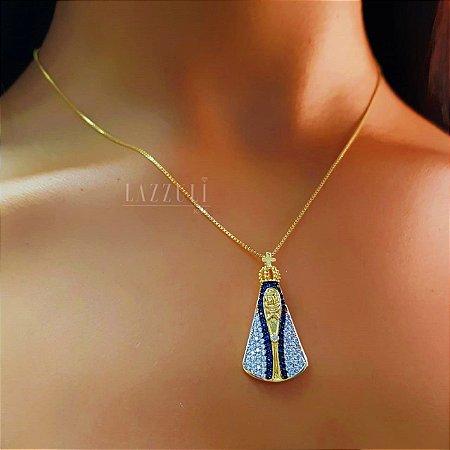 Colar Nossa Senhora com Detalhes em Micro Zircônias Azul Banhado em Ouro18k