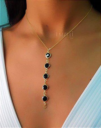 Colar Gravatinha com 5 Tiffany Cristal Negro Banhado em Ouro18k