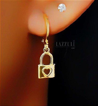 Brinco Mini Argola com Cadeado com Coração Liso Banhado em Ouro18k