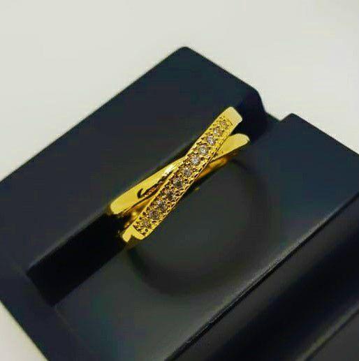 Anel em X com 1 Fileira Micro Zircônia Banhado em Ouro 18k (SKU:00010785)