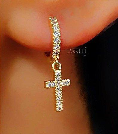 Brinco Mini Argola Cruz com Micro Zircônias Cristais Banhado em Ouro18k (SKU: 00031912)