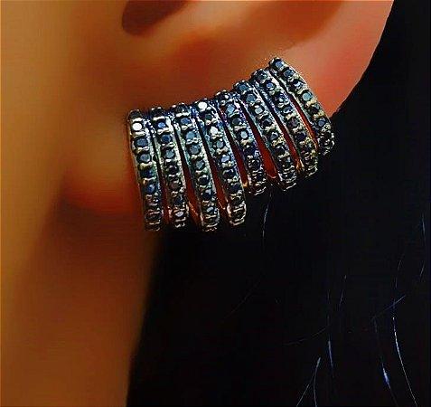 Brinco Ear Cuff 8 Fileiras Micro Zircônias Negras Banhado em Ouro18k (SKU: 00031938)