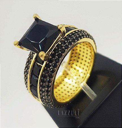Anel Solitário Luxury com Micro Zircônias Negras e Zircônia Baguettes Banhado em Ouro18k