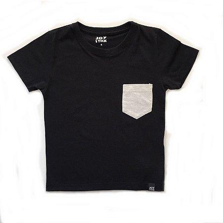 Camiseta preta - bolso branco mescla