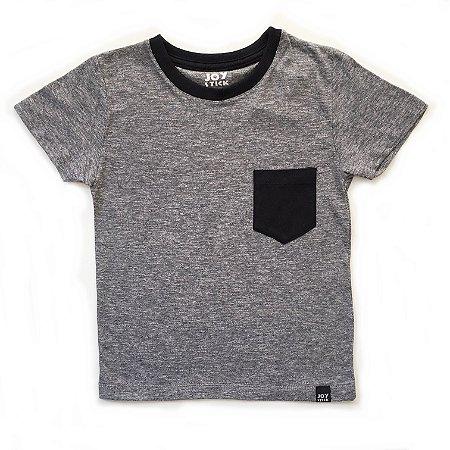 Camiseta cinza - bolso preto