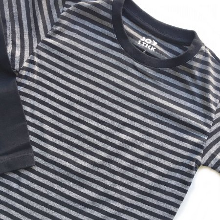 Camiseta listras cinza com preto