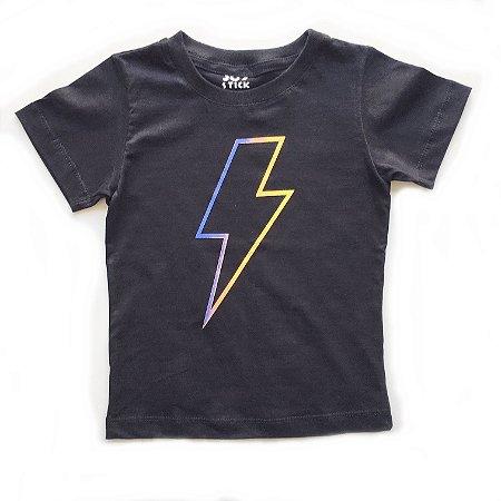 Camiseta Raio cores - preta