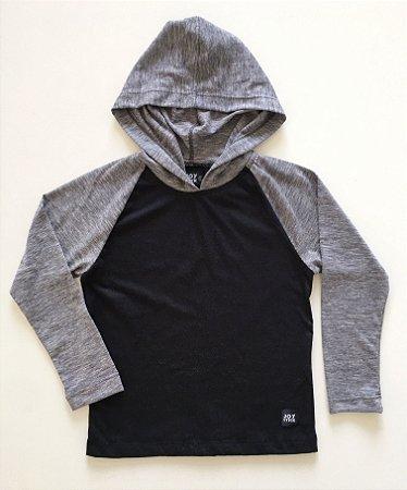 Camiseta Capuz - cinza com preto