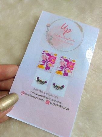 Pelicula de unhas floral com joia