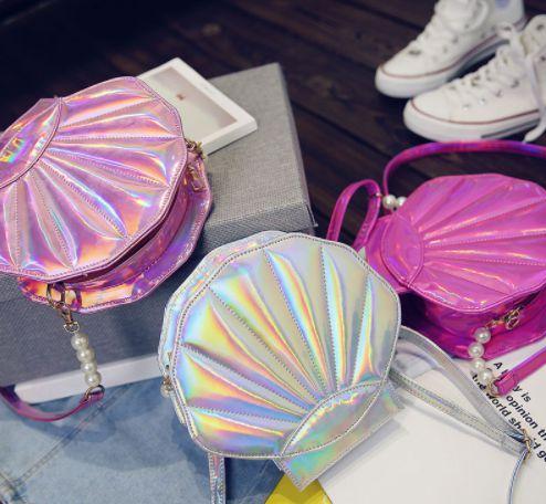 Bolsa Conchinha Holográfica
