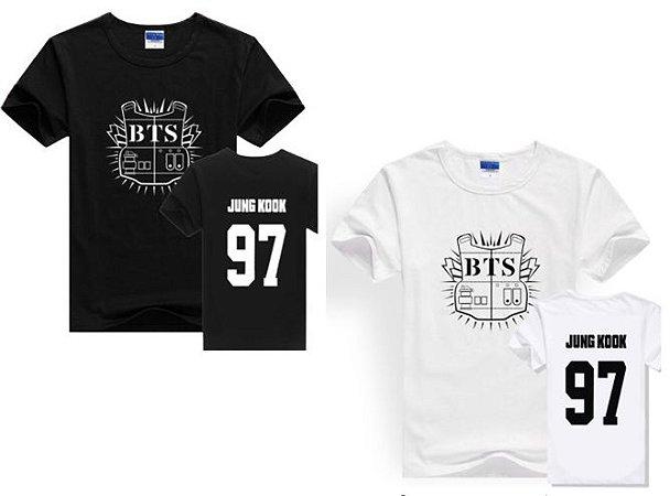 92df75445fb17 Camiseta Kpop BTS - Logo Colete - JUNG KOOK - Duas Cores - MobWay Store