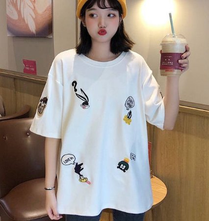 Camiseta LOONEY TUNES (Bordada) - Três Cores