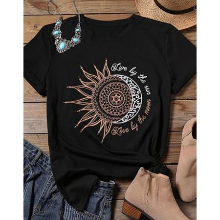Camiseta LOVE BY THE MOON - Três Cores