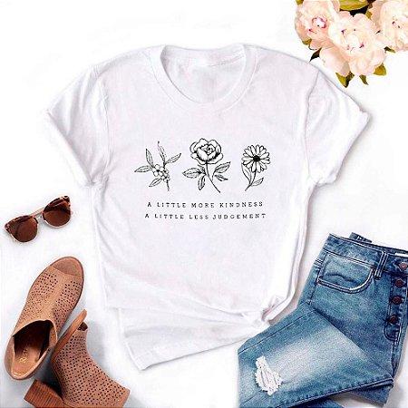 Tshirt Feminina Atacado A LITTLE MORE KINDNESS  - TUMBLR