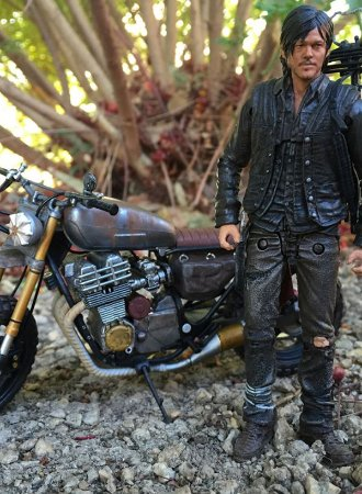 TWD Daryl Dixon with New Bike - Action Figure
