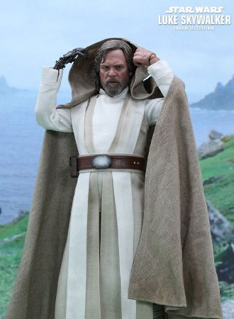 Star Wars: The Force Awakens – Luke Skywalker -Hot Toys