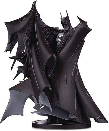 Batman Black & White #100 : Todd McFarlane - DC Direct