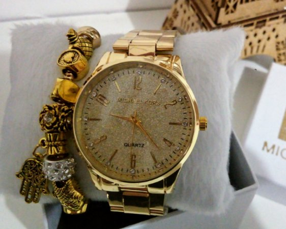 Relogio Feminino Dourado MK + pulseira e caixinha exclusiva