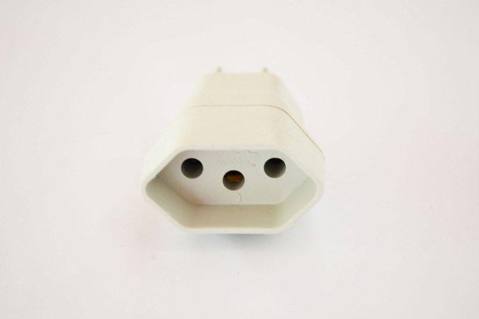 Adaptador de tomada de 3 pinos - Padrão velho para padrão novo. COMPRE 2 COM DESCONTAÇO: 1 por $5 - 2 por $8!