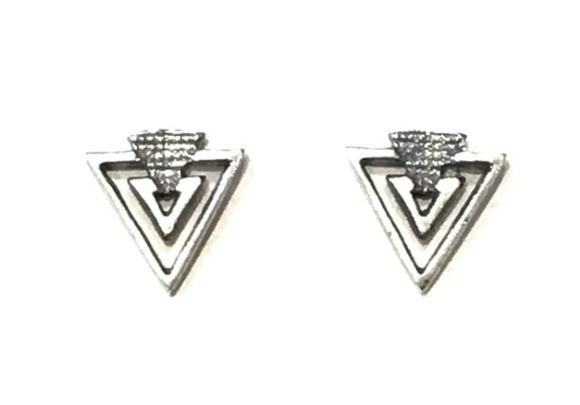 Brinco Triangular em Prata Envelhecida