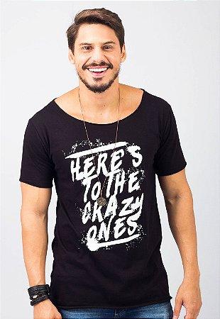 Camiseta Gola Canoa Preta Crazy Ones