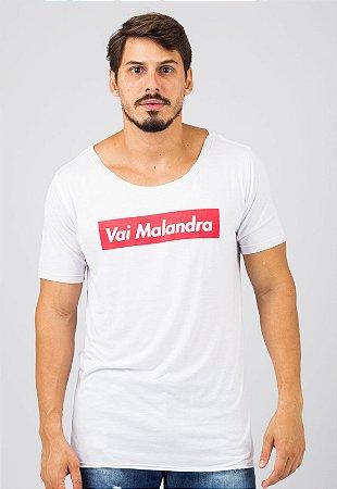 Camiseta Gola Canoa Branca Busted Vai Malandra