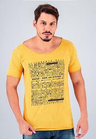 Camiseta Gola Canoa Amarela Marmorizada Busted Have An Attitude