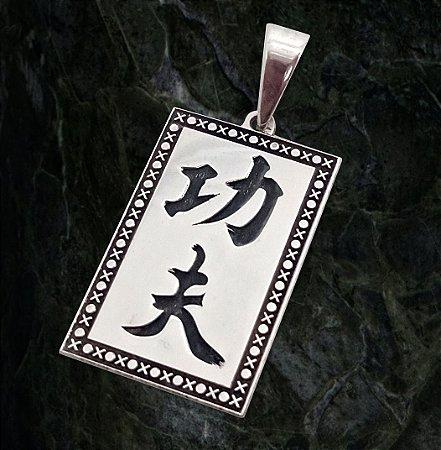 Pingente Kung Fu