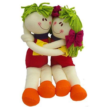 Casal abraçadinho
