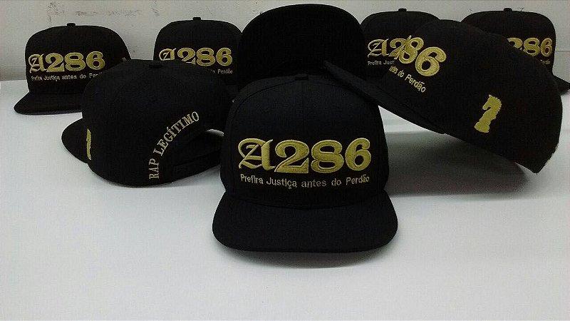 Boné A286, preto e dourado