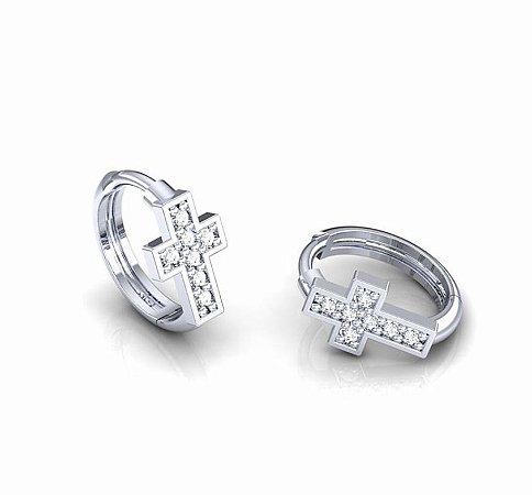 Argola Cruz em ouro com diamantes