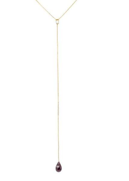 Gravatinha em ouro amarelo com diamantes (topázio, berilio, morganita)