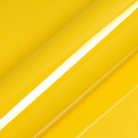 """Adesivo para Envelopamento Automotivo Alto Brilho Cor """"Buttercup Yellow Gloss"""" Carro Completo"""