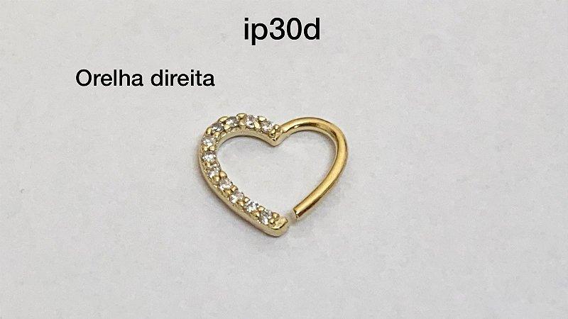 Coração em prata dourado orelha direita