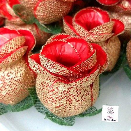 25 Forminhas para doces Flor Botão Rosa - Vermelho com Dourado - F043
