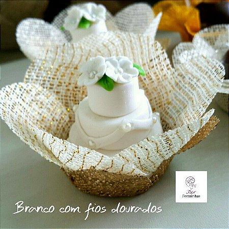 50 Forminhas Primavera G Branco Fios Dourados- F006