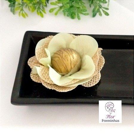 25 Forminhas Rustica Flor em Juta e Tafetá Verde Menta - F027