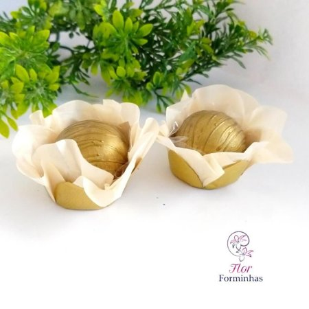50 Forminhas Flor Primavera em Papel Base Dourada Marfim - F041